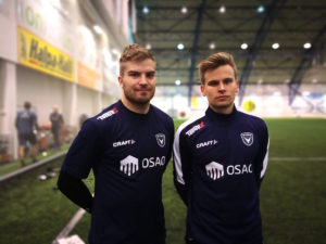 Juhani Pennanen ja Jere Aallikko ovat käytössä aikaisintaan lauantaina EIF-ottelussa riippuen pelilupa-asioista (Kuva: Juho Meriläinen)
